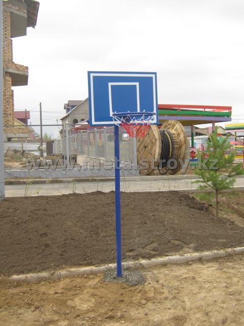 Щит баскетбольный, детский. Размер: 800х600х2240